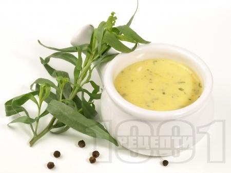 Маслен сос с лимон и сметана - за риба и зеленчуци - снимка на рецептата